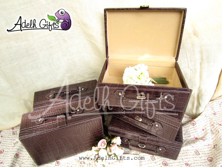 croc luggage coklat