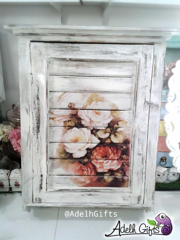 wall cabinet decoupage