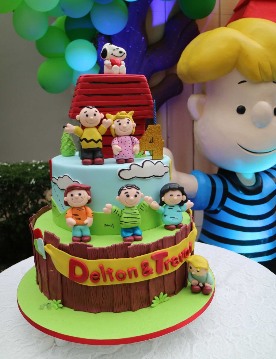 dt-snoopy-cake