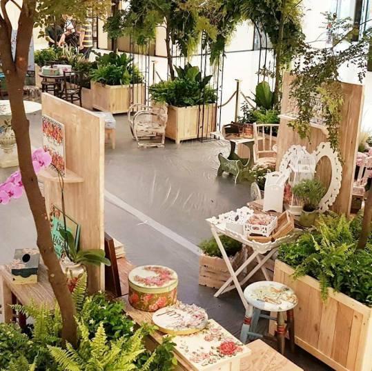 adelh gifts di pameran bangkok