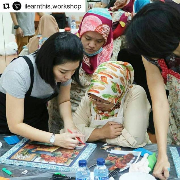 serunya mengikuti decoupage workshop adelh