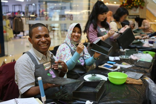 happy face ikut workshop decoupage adelh gifts