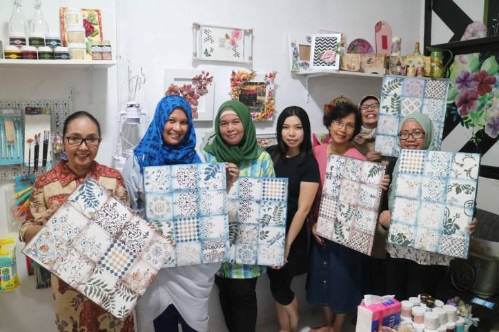para peserta kelas tiles pattern