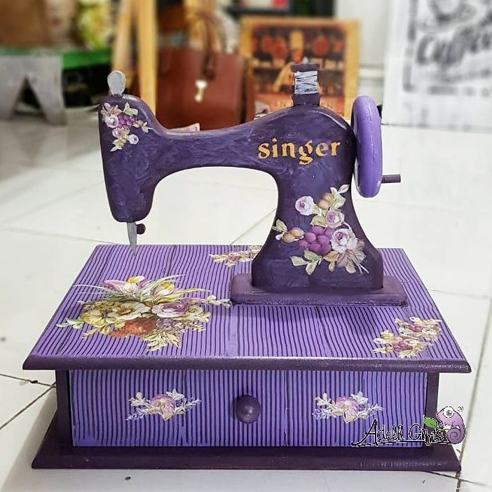 sewing machine vintage decopatch